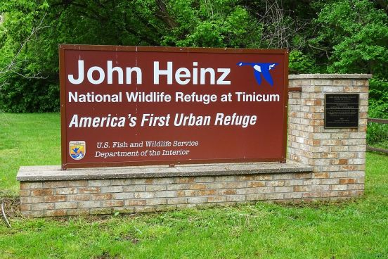 John_Heinz_NWR_entrance_sign,_Tinicum,_PA